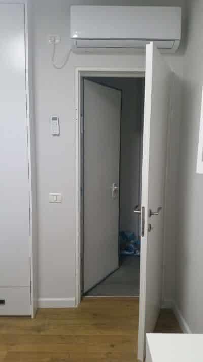 """דלת פנימית נוספת לדלת ממ""""ד"""