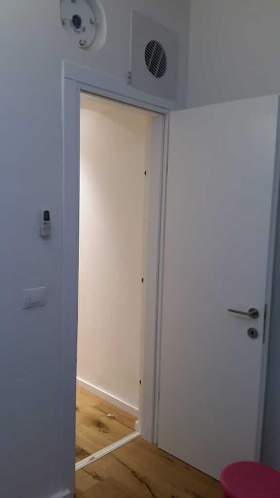 דלת עץ לממד